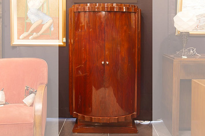 Art Deco-cabinet in rosewood with demi-lune model with two doors resting on a typical base