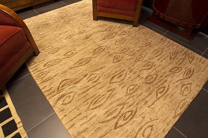 handknotted rug in nettle