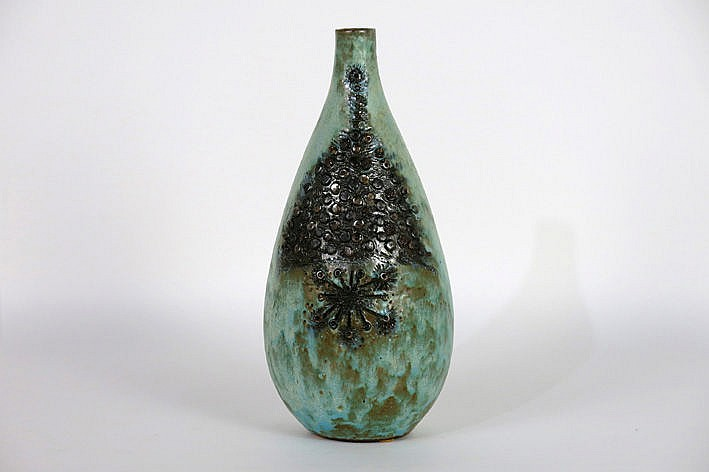 beautiful design vase in ceramics with a highly stylized vegetal decoration - marked and with photo-certificate of Vandeweghe