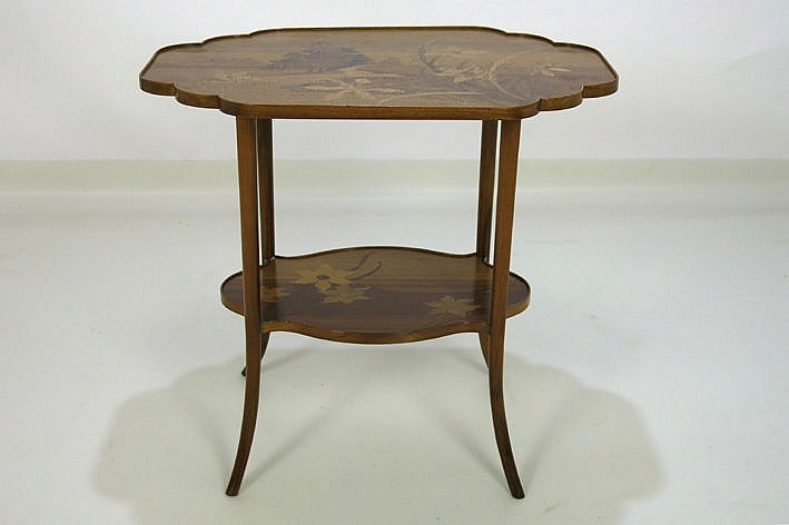 beautiful and typical' Gall�' Art Nouveau table in marquetry - signed