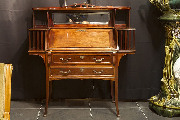 Belgian Jugendstil bureau in mahogany
