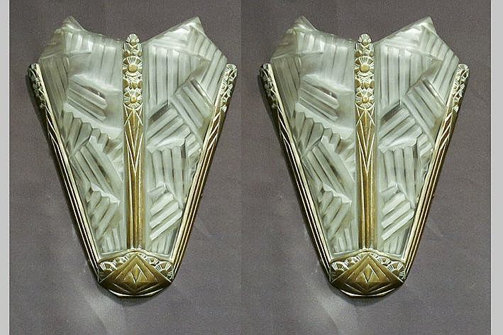pair of (�) Art Deco wall lights in silvered bronze and typical thick satin-finished glass - signed