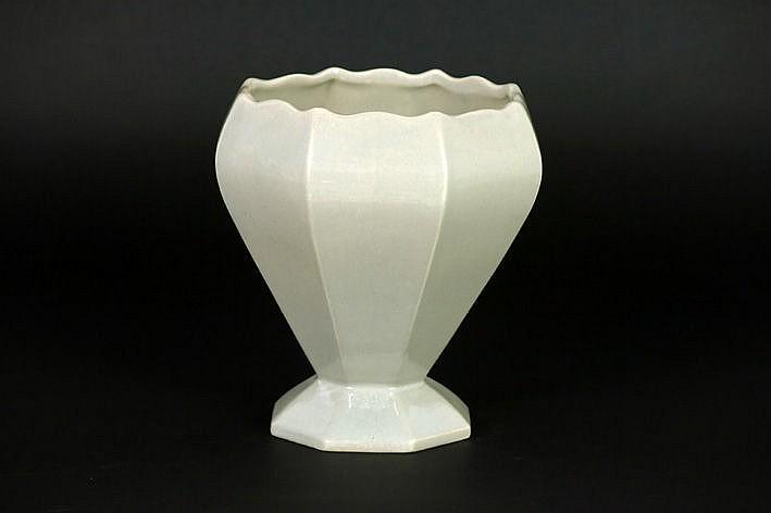 Art Deco-vase in marked ceramic