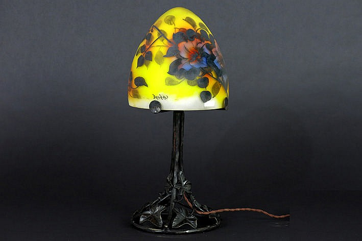 mushroomshaped Art Deco-lamp in wrought iron and