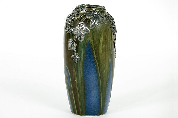 small Art Nouveau-vase in earthenware and with mounting in pewter by Colmont  - signed