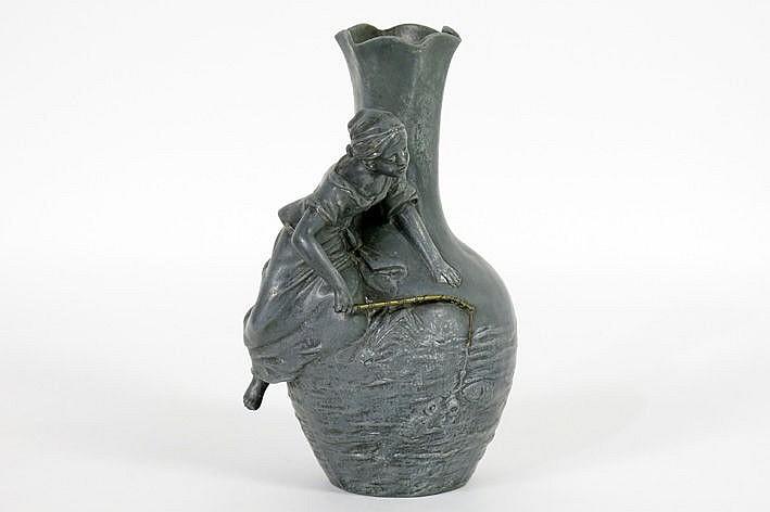 Art Nouveau-vase in pewter - signed