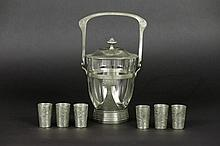 7 pieces of German Art Nouveau in pewter
