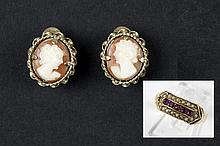 19th Cent. English ring in yellow gold (15 carat) with rubies and small pearls & a pair of 19th Cent. English earrings in yellow gold (9 carat) each with a camee