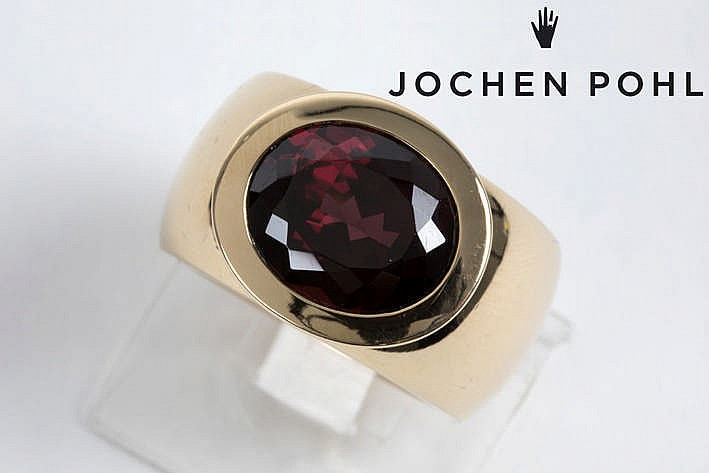 'Jochen Pohl' ring (48,9 gram) in pink gold (18 carat) with a real ca 6,30 carat rhodolite - marked