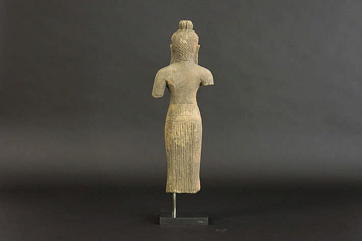11th cent cambodian khmer baphuan style sculpture in eartha - Stijl asiatique ...