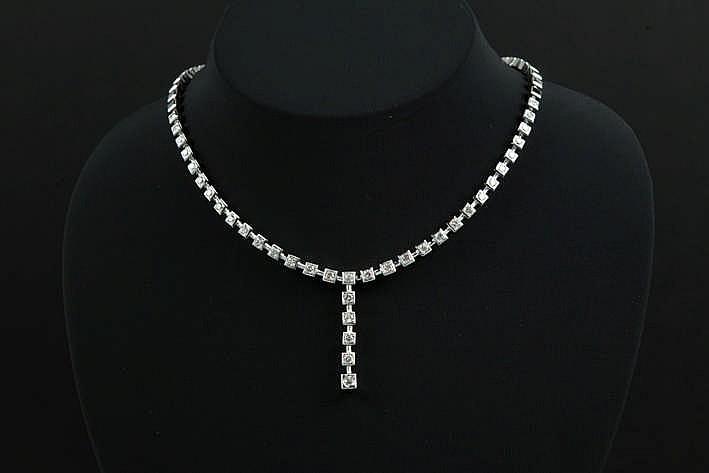 Chique collier met pendatief met rondom vierkante schakels in witgoud (18 karaat) deels bezt met ca 3 25 karaat witte (G/H) kwaliteitsbriljant (Vs/Si) - 57 4 gram