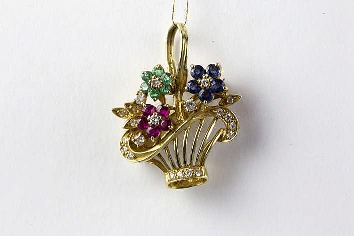 Schattige bloemenkrofvormige broche/hanger in geelgoud (18 karaat) bezet met 0 20 karaat smaragd 0 30 karaat saffier 0 25 karaat robijn en 0 30 karaat briljant (H/I - Vs)