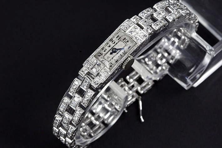 Zeer mooi Art Deco-damespolshorloge met originele schakelbracelet in platina bezet met ca 5 karaat briljant in oude slijp en diamant (8/8) - ca 1925