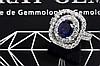 Superbe moderne ring met een dubbel entouragemodel in witgoud (18 karaat) met een sierstuk met een centrale saffier van 1 87 karaat met fraaie kleur en met ca 1 30 karaat blauwwitte (D/E/F) kwaliteitsbriljant (Vvs/Vs) - met certificaat CGL voor de