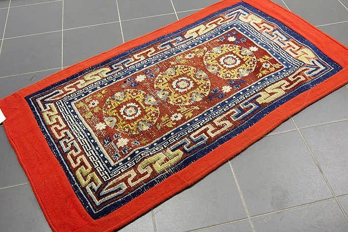Sino-Tibetaans handgeknoopt tapijt waarschijnlijk ooit gebruikt als paardendeken - 147 x 80 cm