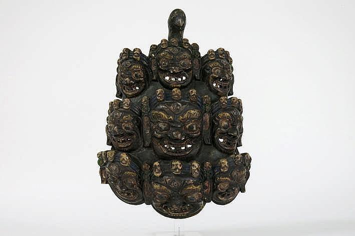 Tibetaanse tantrisch-boeddhistische houtsculptuur met verschillende maskers van Mahakala - 40 x 30 cm