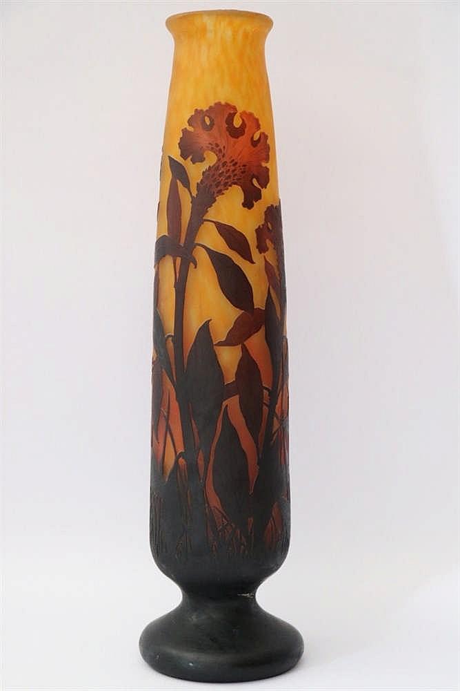 Daum grand vase en verre marmor en orang d cor grav de for Decoration vase en verre