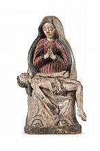 Anonyme  Piéta en bois sculpté et polychrome.  Ecole du XVIIème siècle.  H. : 55 cm.