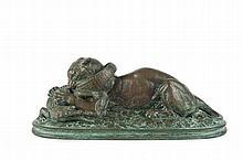 Antoine Louis BARYE (1795-1875) Tigre dévorant un gavial (seconde réduction). Bronze à patine verte nuancée. Signé et daté sur la terrasse 1836. H. : 11,5 cm. L. : 27,5 cm. P. : 10,5 cm. Bibliographie : Répertorié page 206 du Catalogue raisonné des