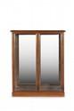 Ed. COURTOIS  Paire de vitrines de forme rectangulaire  haute en noyer mouluré ouvrant à deux  portes vitrées avec fond en miroir. Marquées.  H. : 145 cm. L. : 118 cm. P. : 40 cm.
