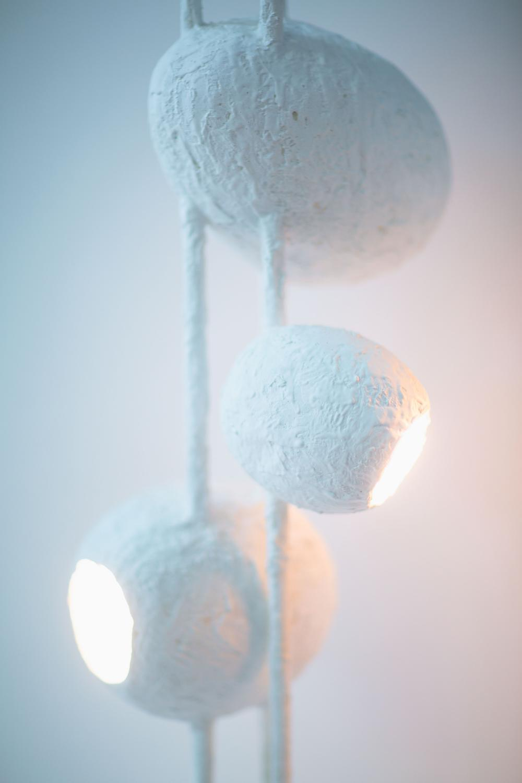 jacques darbaud cocoon paire de lampes de table. Black Bedroom Furniture Sets. Home Design Ideas