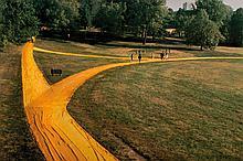 CHRISTO ET JEANNE-CLAUDE (USA/1935 // 1935-2009)  Wrapped Walk Ways, Loose Park, Kansas City, Missouri 1977-78, 1991