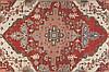 TAPIS HERIZ A MEDAILLON / MEDALLION HERIZ RUG Nord Ouest de la Perse (Azerbaidjan) - XIXème s. / North West Persia (Azerbaijan)- XIXth c. Ces tapis sont parmi les plus recherchés et les plus cotés des pièces décoratives anciennes. La production «