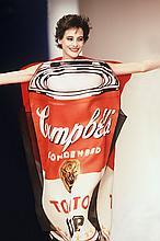 GUY MARINEAU  Ines de la Fressange robe Warhol collection JC de Castelbajac.
