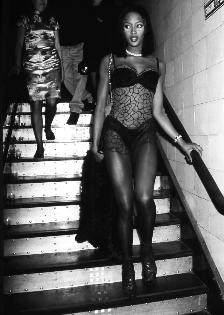 JEAN PIERRE FIZET  Naomie Campbell Les Bains Douches Paris 2002