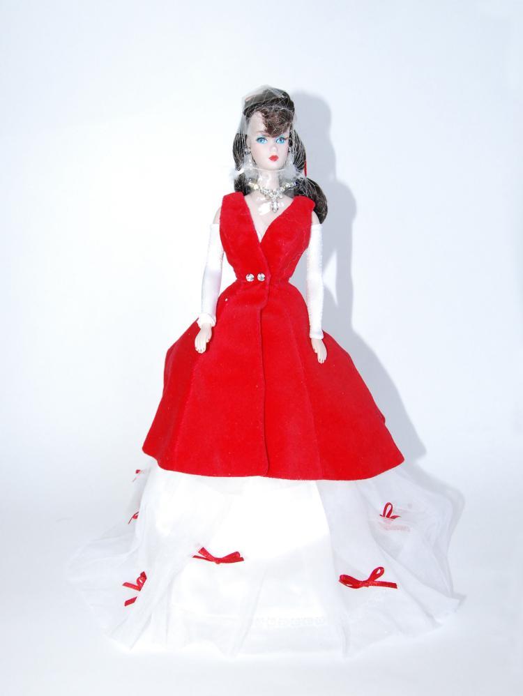 Poupée de collection Barbie en porcelaine .  Edition limitée portant le numéro 290