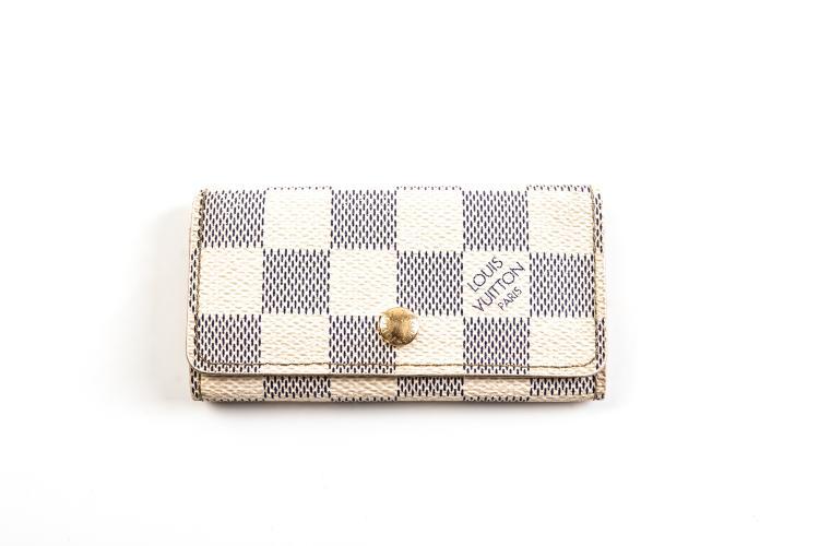 LOUIS VUITTON PARIS  Petite pochette Porte-clé en cuir damier blanc et