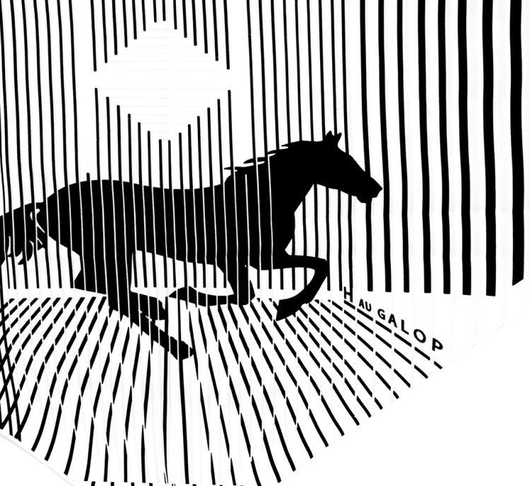 HERMES PARIS   Triangle en soie imprimée, titré