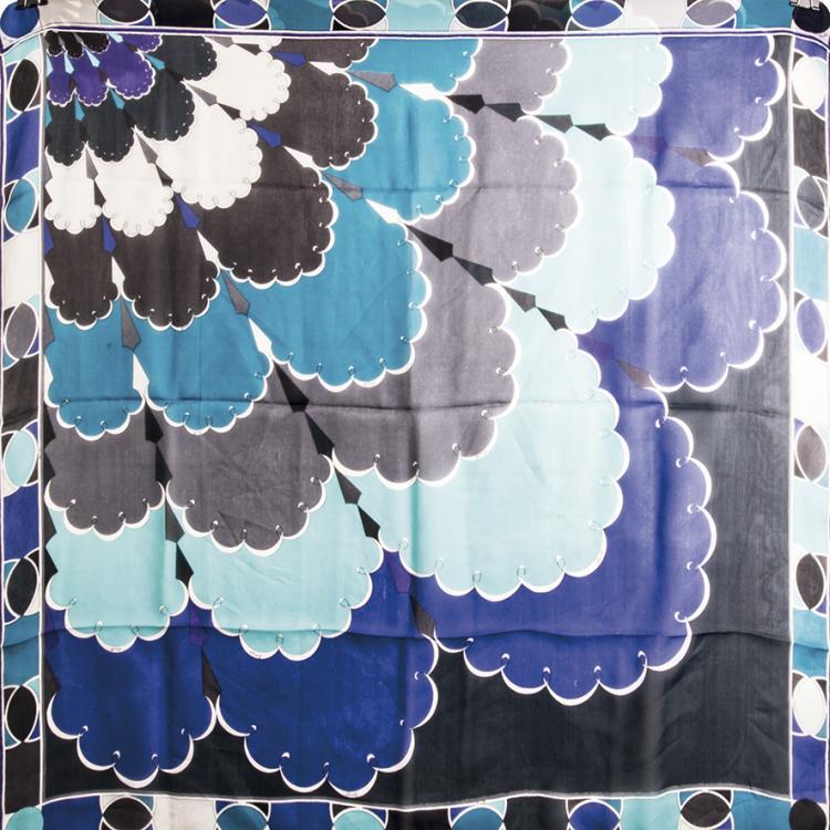 EMILIO PUCCICarré en mousseline de soie turquoise et violet.90 x 85 cm.Bon état.