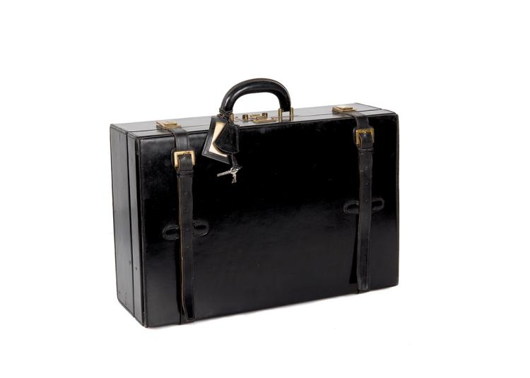 HERMES PARIS  Valise en box noir.