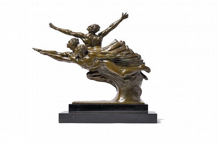 Robert Delandre (1879-1961) « Groupe d'athlètes en compétition ».Groupe en bronze à patine brun vert nuancée sur socleen marbre noir. Signé. H. : 42 cm. L. : 55 cm.