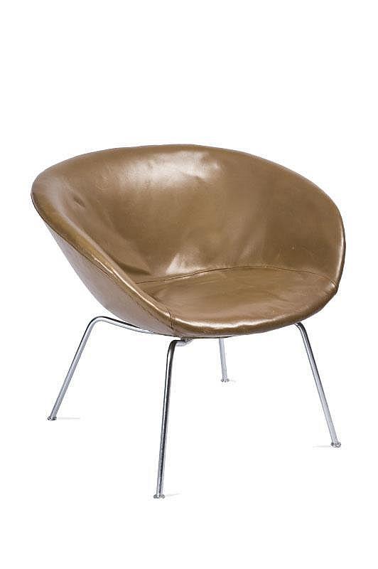 arne jacobsen 1902 1971 fauteuil mod le pot chair cuir gold. Black Bedroom Furniture Sets. Home Design Ideas