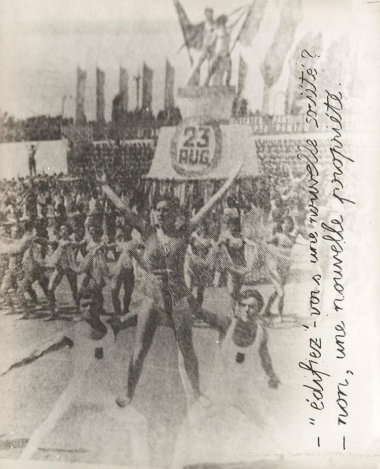 Ion GRIGORESCU (1945)  Questions aux travailleurs, 1974  Tirage argentique d'époque, légendé, daté, signé,  numéroté 1/3 au crayon.  50 x 40 cm.