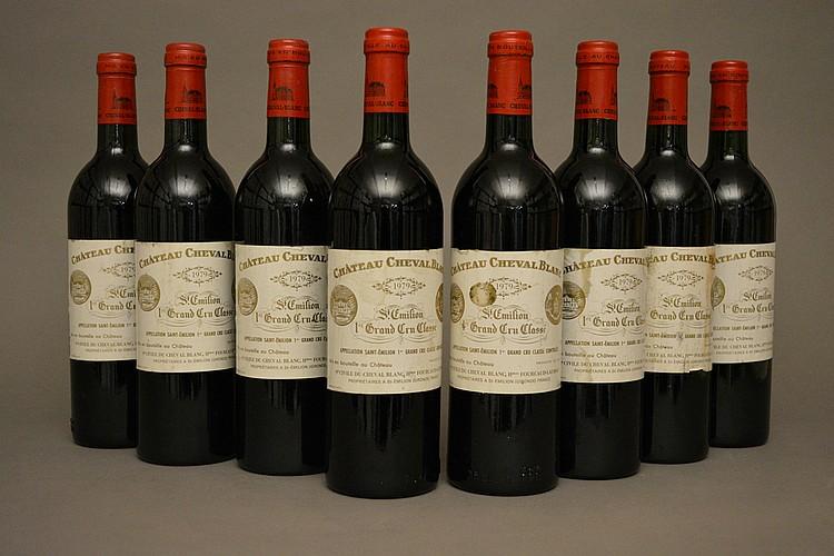 8 bouteilles CHÂTEAU CHEVAL BLANC (e.t.h. légères à e.t.h.) 1979 GCC1A St Emilion