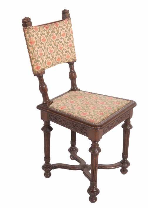 Petite chaise de style louis xiii en chene a dossier droit for Tissu recouvrir chaise