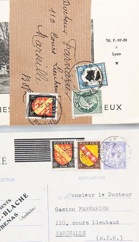 France : publicités médicales  et divers entre les années 1940 et  1960 environ dont affranchissements  préoblitérés et armoiries (180  pièces environ), dans 2 boîtes