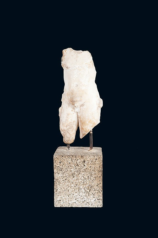 Torse de satyre acéphaleEn marbre blanc.Art Romain, époque IIème siècle après J-C.H. : 43 cm.
