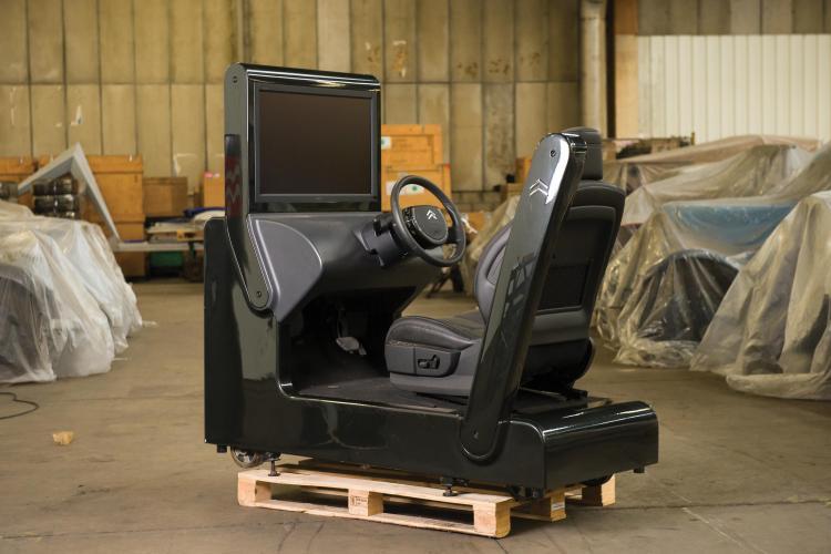 simulateur de conduite boite de vitesses bmp 6 pour salons 2. Black Bedroom Furniture Sets. Home Design Ideas