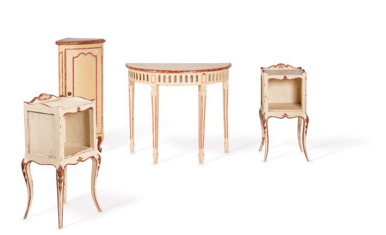Deux tables de chevet rustiques louis xv en bois naturel l 39 for Table de chevet bois