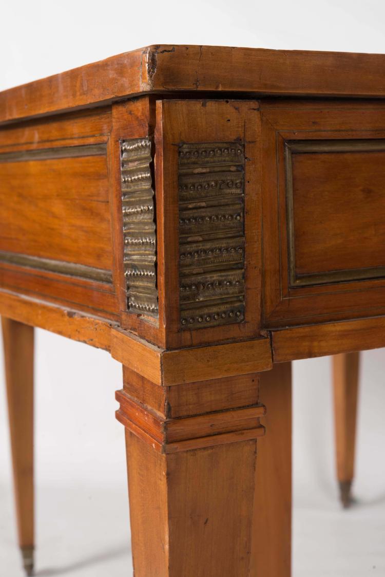 importante table de salle 224 manger de style louis xvi en mer