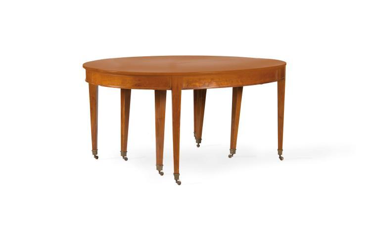 Table de salle manger plateau ovale ouvrant sur huit pie - Grande table ovale salle a manger ...