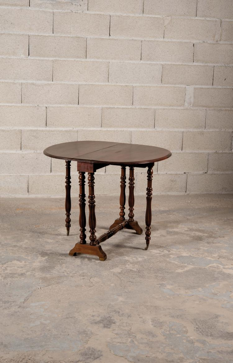 Table gate leg dans le go t queen ann en acajou platea - Table pied pliant ...