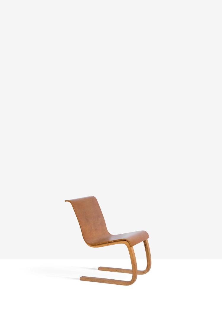 Alvar aalto 1898 1976 chaise 21 dite cantilever orme fren for Chaise alvar aalto