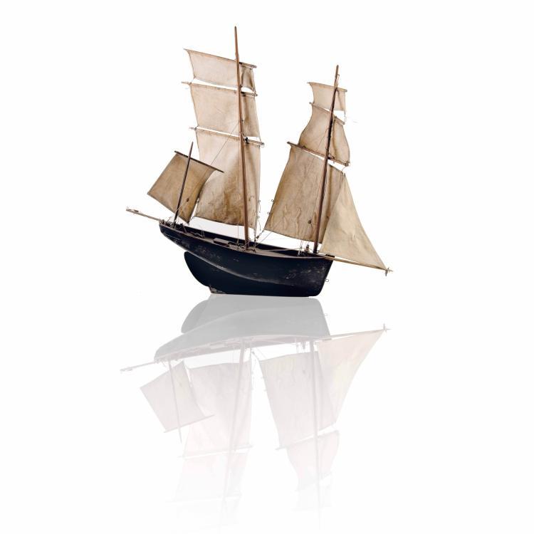 Maquette de 3 mats. 200 - 250 €