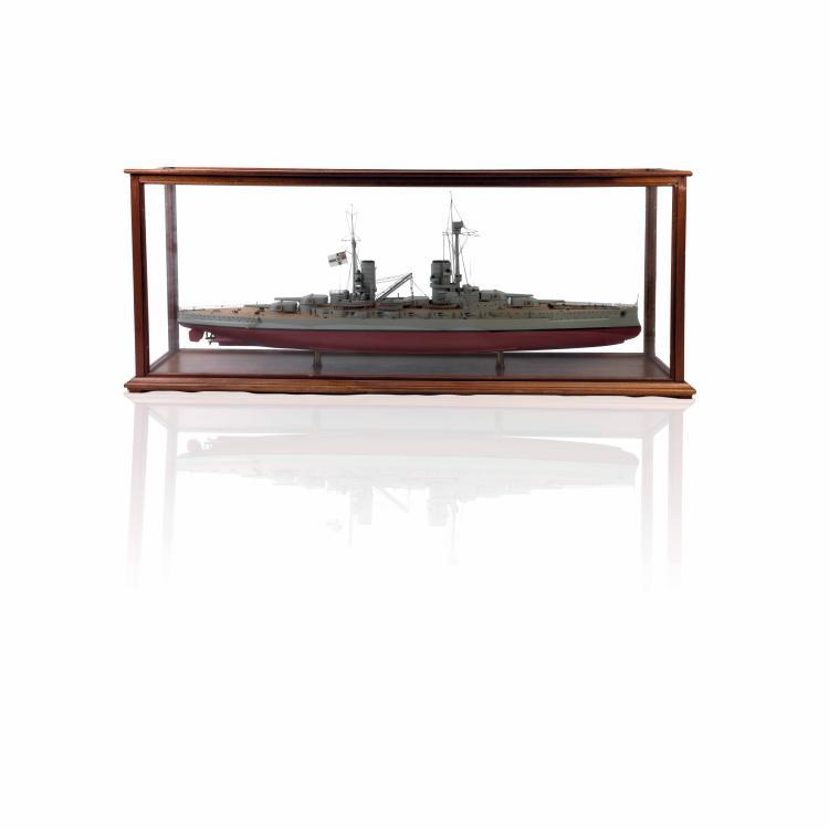 Maquette du cuirassé allemand «KONIG», 1:150, bois, métal.