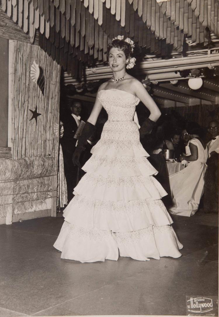 Lot de photos d'événements : mondanité, cérémonie et exposition au stand de la Com   - pagnie Mixte au salon nautique de 1950. Formats divers.